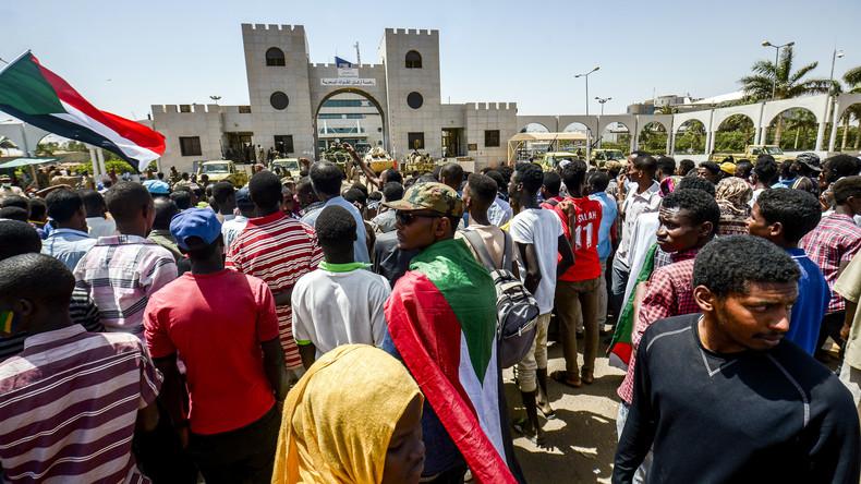 Sudans Militär wechselt Führung aus – Proteste gehen weiter