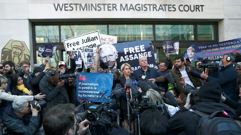 Fall Assange: Britische Abgeordnete wollen Auslieferungsgesuch an Schweden Priorität einräumen