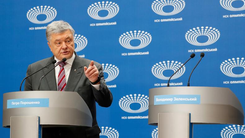 Wahlkampf in Ukraine: Präsident Poroschenko wartet vergeblich im Stadion auf Amtsanwärter Selenskij