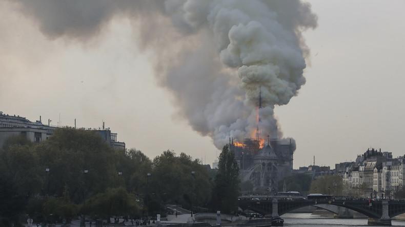 Paris: Weltberühmte Kathedrale Notre-Dame steht in Flammen