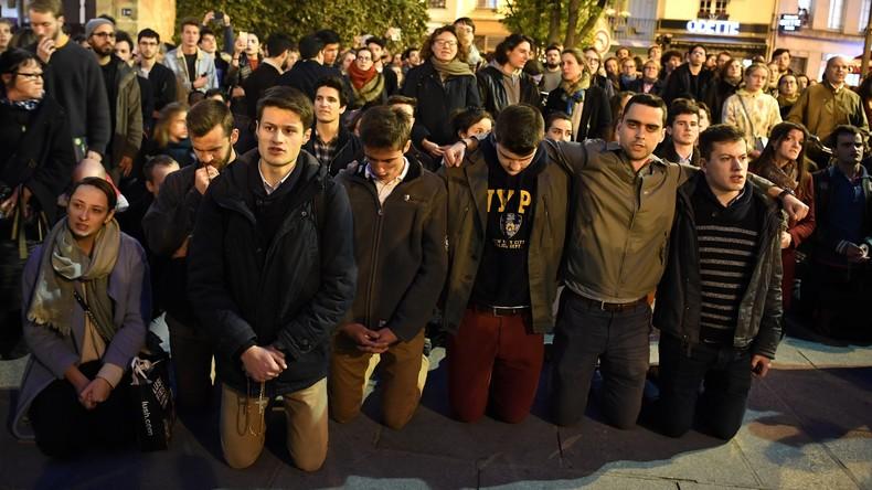 LIVE: Mahnwache für Notre-Dame im Zentrum von Paris