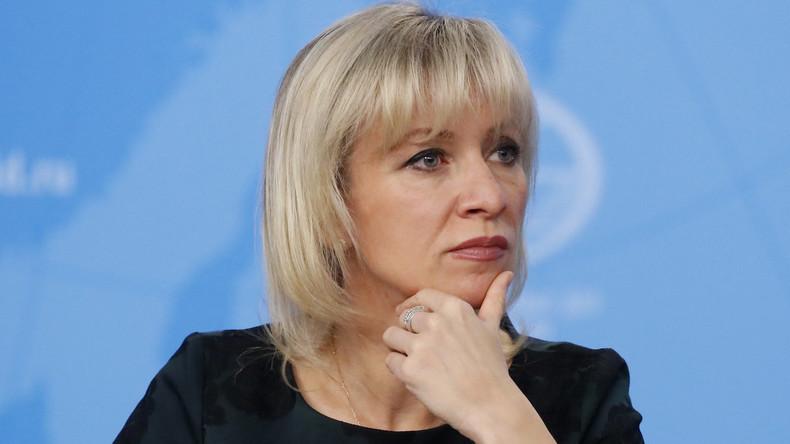LIVE: Russlands Außenamtssprecherin Maria Sacharowa gibt wöchentliche Pressekonferenz