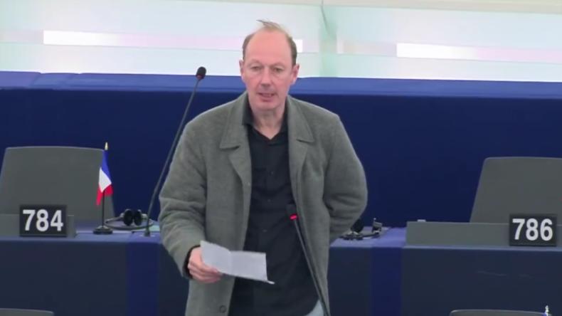 """EU-Abgeordneter: """"Wenn ihr Assange ausliefert, könnt ihr Brexit sofort haben, so hart wie möglich!"""""""