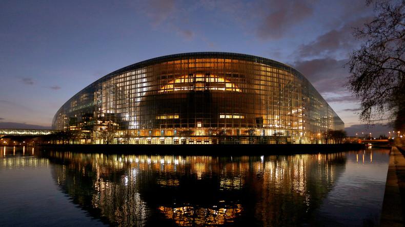 Umfragen zur EU-Wahl: Verluste für die großen Fraktionen, EVP stärkste Kraft