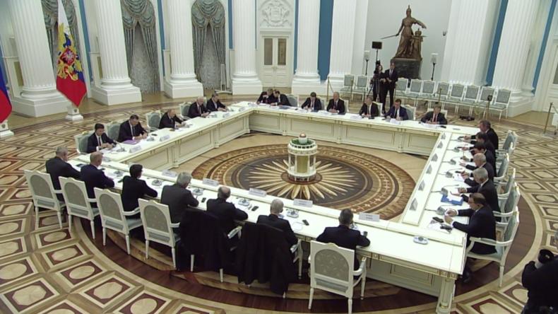 Notre-Dame: Putin spricht sein Beileid aus – Brandursache wird weiter ermittelt