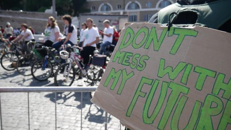 """Italien: Tausende skandieren mit Greta """"Wir retten den Planeten"""" bei Kundgebung in Rom"""