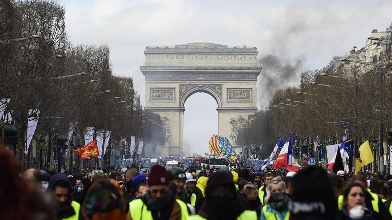 LIVE: Gelbwesten-Protest Akt XXIII – Demonstration in Paris zum 23. Mal in Folge