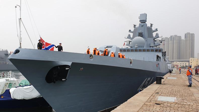 Russische Fregatte Admiral Gorschkow trifft in China zum Jubiläum der chinesischen Marine ein