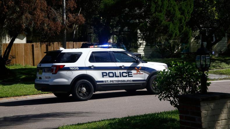 Beförderung zum Vorstellungsgespräch statt Strafe: US-Polizist hilft arbeitslosem Verkehrssünder