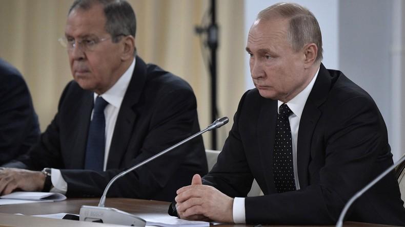 Wladimir Putin gibt Pressekonferenz nach Treffen mit Nordkoreas Staatschef Kim Jong-un