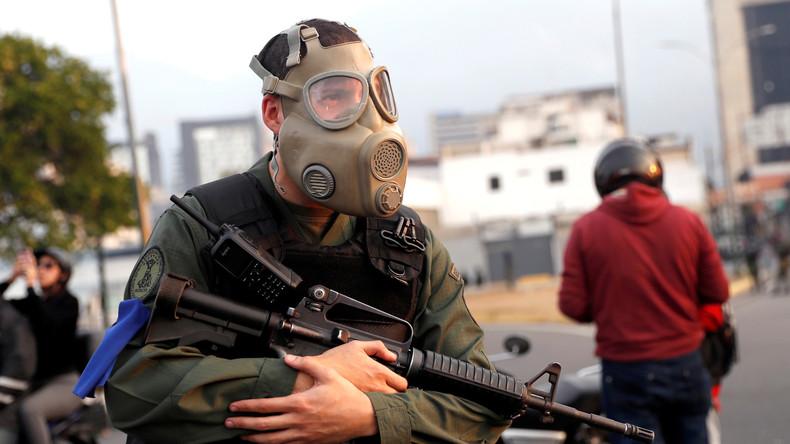 Venezuelas Verteidigungsminister: Armee steht zu Maduro und verurteilt Guaidó als Verräter