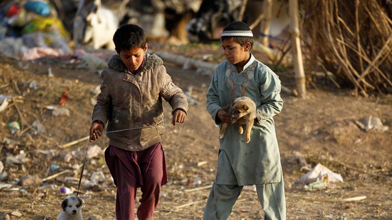 Pakistan will zwei Millionen afghanische Flüchtlinge loswerden