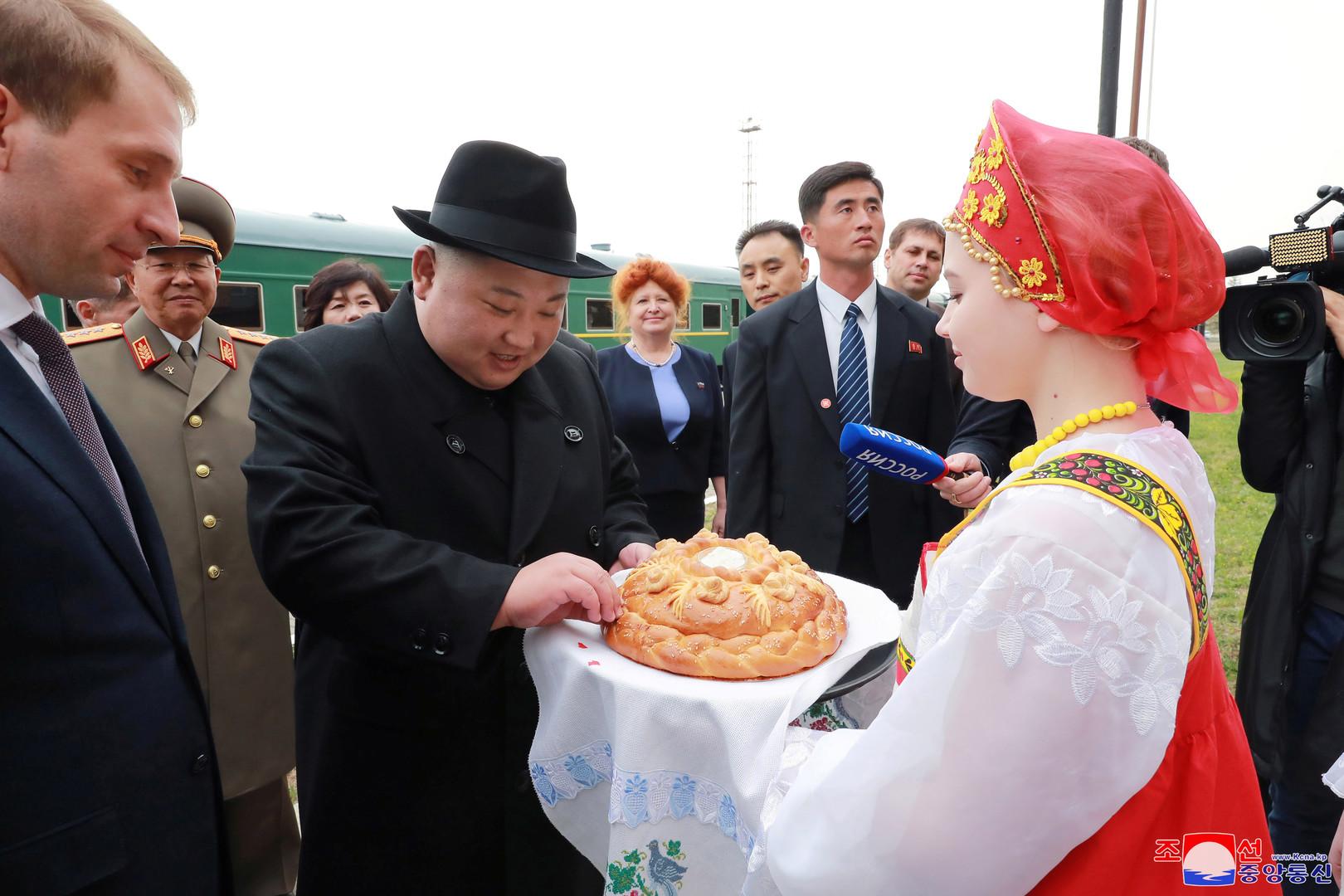 Nach russischer Tradition mit Brot und Salz begrüßt