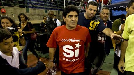 Diego Maradona bekennt sich auf seinem T-Shit zu Venezuelas linken Präsidenten Hugo Chávez (29. Januar 2009).