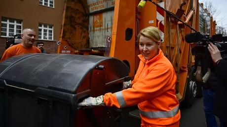 Hoffnungsträgerin vor beruflicher Neuorientierung? Familienministerin Giffey, hier anlässlich des Frauentages im Einsatz bei der Berliner Stadtreinigung.
