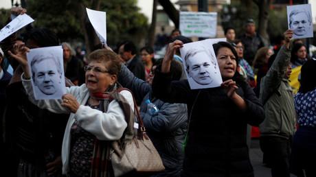 Unterstützer von Assange demonstrieren vor dem Präsidentenpalast in Ecuadors Hauptstadt Quito.