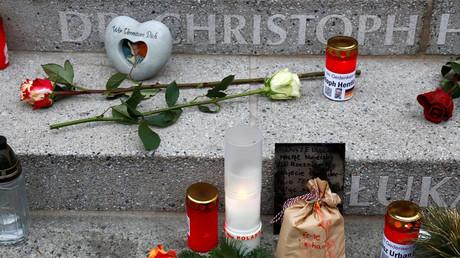 Kerzen und Blumen am Breitscheidplatz zum Gedenken an den Anschlag, Dezember 2018