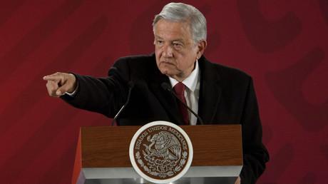 Andrés Manuel López Obrador, seit dem 1. Dezember 2018 der Präsident Mexikos, macht in einem Brief an das spanische Staatsoberhaupt König Philipp VI. auf die Gräueltaten der Spanier bei der Eroberung Amerikas vor 500 Jahren aufmerksam.