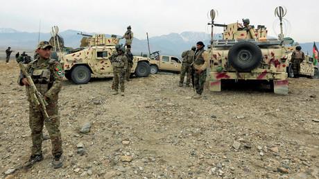 Afghanische Streitkräfte mit Humvee-Fahrzeugen des US-Militärs bereiten sich auf einen Einsatz in der Provinz Nangarhar vor (28. November 2017).