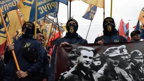 Unter Poroschenko blühte in der Ukraine der Faschismus wieder auf. Im Bild: Feierlichkeiten in Kiew zum Jahrestag der Gründung der Ukrainischen Aufstandsarmee (UPA) am 14. Oktober 2017