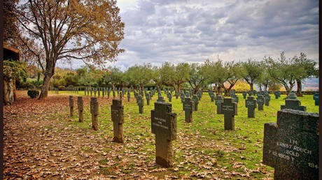 Der geschändete Friedhof im Oktober 2014