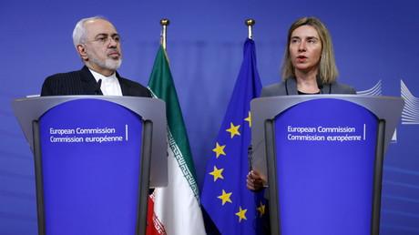 Der iranische Außenminister Mohammed Dschawad Sarif und die EU-Außenbeauftragte Frederica Mogherini, Brüssel, Belgien, 15. Februar 2016