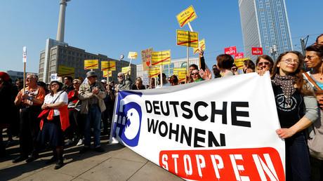 Der Unmut gegen Wohnungskonzerne kam beim Protest gegen steigende Mieten und Wohnungsnot in Berlin am 6. April 2019 deutlich zum Ausdruck.