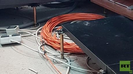 Unzulässig: Die gemischte Verlegung von Funktions- und normalen Kabeln. Die Fotos entstanden im Frühjahr und Sommer 2018.