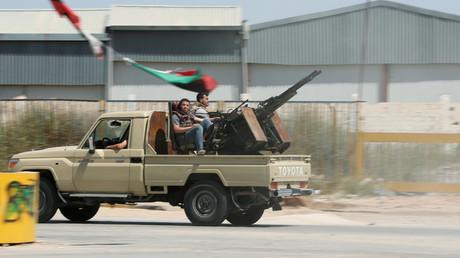 Mitglieder der libyschen Regierungstruppen  im Al-Swani-Gebiet in Tripolis, Libyen, 18. April 2019.