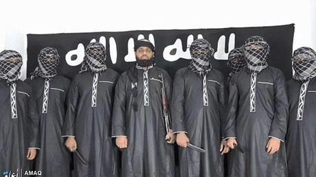 Nach Angaben des IS sollen auf dem Bild die Attentäter von Sri Lanka zu sehen sein.