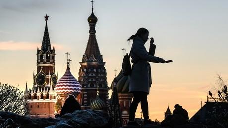 Nicht nur Touristen zieht es auf den Roten Platz in Moskau. Auch Entwicklungsminister Gerd Müller besuchte zum ersten Mal die russische Hauptstadt für politische Gespräche und hofft auf eine engere Zusammenarbeit beim Klimaschutz.