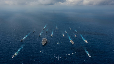 Kanonenbootdiplomatie 2.0: Flugzeugträger USS Ronald Reagan mit Entourage - Oder in den Worten des US-Botschafters zu Russland: