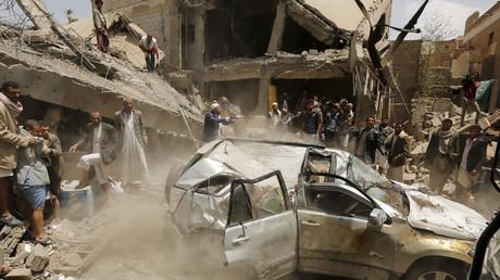 Szene nach einem von vielen saudi-geführten Luftangriffen im Jemen, Sanaa 21. September 2015.