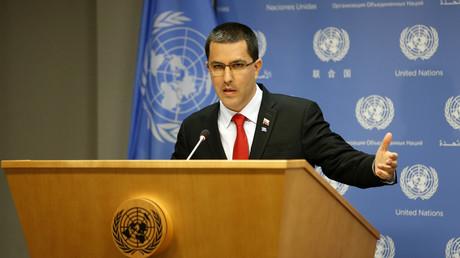 Der venezolanische Außenminister Jorge Arreaza bei seiner Pressekonferenz am Sitz der Vereinten Nationen in New York am 25. April 2019