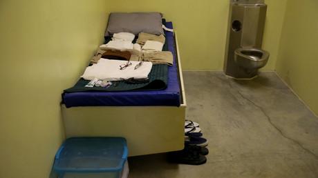 Die Gefangenen im Internierungslager auf dem US-Stützpunkt Guantanamo Bay Naval Base auf Kuba werden noch lange Zeit dort bleiben müssen. Die medizinische Betreuung wird dabei mit dem Alter immer kostspieliger.