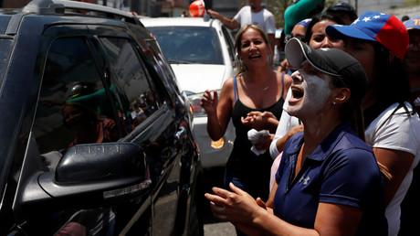 Am Dienstag in Caracas: Guaidó fährt vorbei, die Unterstützer freuen sich