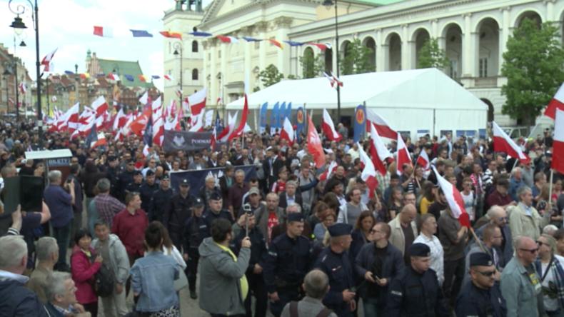 """Polen: """"Wir wollen ein souveränes Land"""" – Tausende protestieren gegen zentralistische EU"""