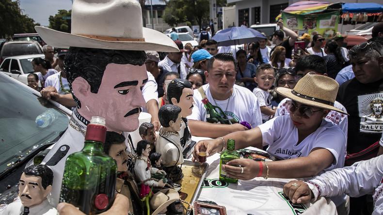 "Hunderte Gläubige in Mexiko feiern ""Heiligen der Drogenhändler"""