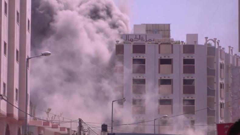 Zerstörung eines Gebäudes in Gaza während des israelischen Angriffs