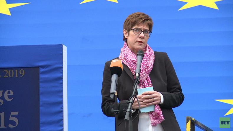 Täuschend echt - Das Bemühen der CDU, Interesse an den EU-Wahlen zu wecken (Video)