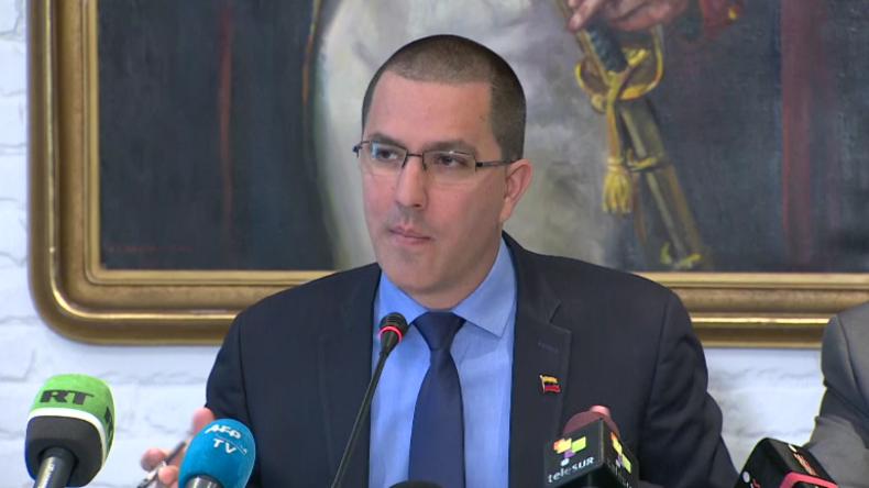 """Venezolanischer Außenminister greift """"kriminelle US-Politik"""" an: Sie wollen unser Öl und unser Geld"""