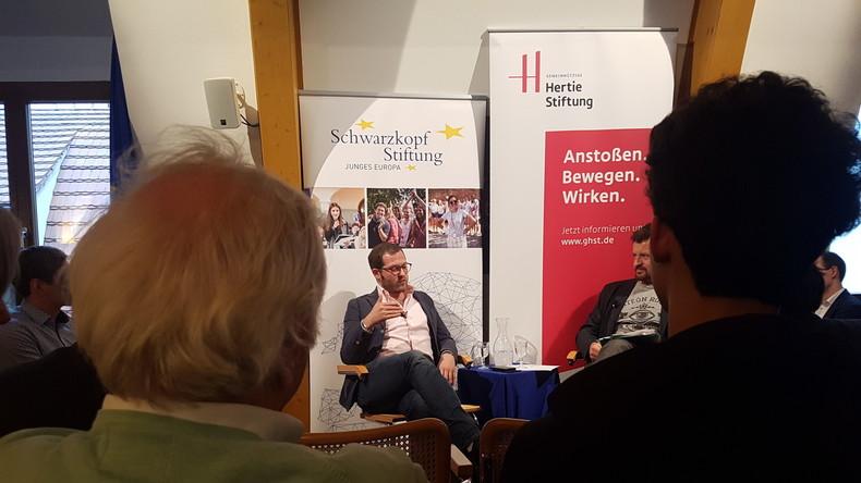 """BILD-Chef Reichelt referiert über Verantwortung im Journalismus: """"Bei uns arbeiten nur Idealisten"""""""