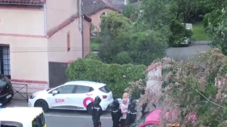 """Toulouse: Bewaffneter mit """"Gelbwesten-Verbindung"""" nimmt vier Frauen als Geiseln"""
