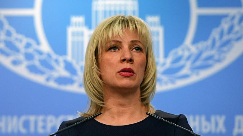 Sprecherin des Russischen Außenministeriums Maria Sacharowa hält wöchentliche Pressekonferenz