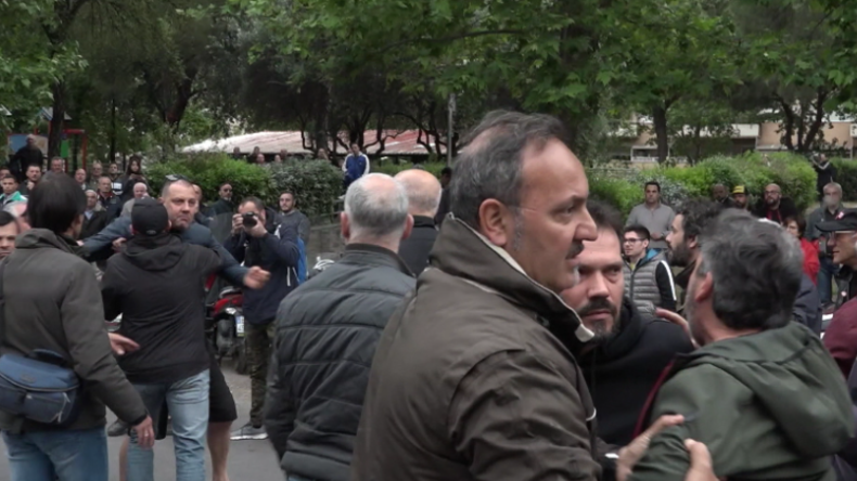 Italien: Heftige Tumulte wegen Unterbringung von Roma-Familie in Sozialwohnung