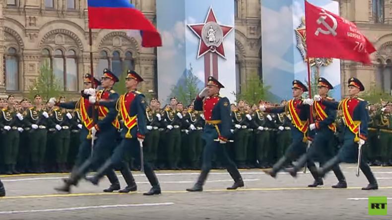 RT-Spezial vom Roten Platz: Kriegsveteranen bei Siegesparade in Moskau (Video)