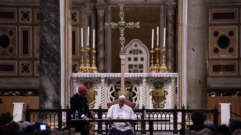 Papst führt Meldepflicht bei sexuellem Missbrauch durch Geistliche ein – jedoch nur kirchenintern