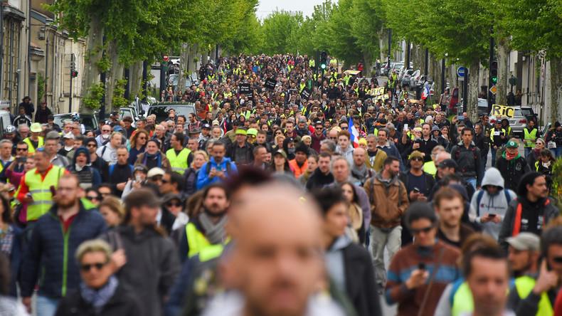 LIVE: Gelbwesten-Protest Akt XXVI – Demonstration in Paris zum 26. Mal in Folge