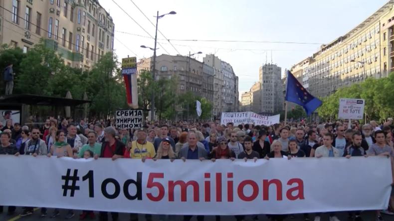 Seit 23 Wochen: Wieder Tausende zu Protesten gegen die Regierung in Belgrad