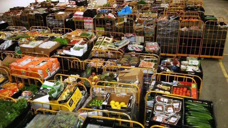 Bezirksamt Berlin-Lichtenberg rechnet Lebensmittel-Spenden als Einkommen an